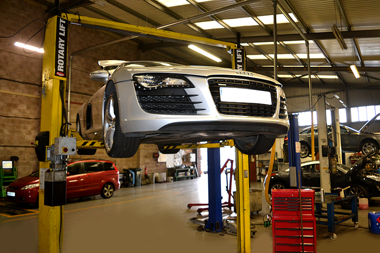 1011 Here we look at some of the recent Audi vehicle service work we carry out from our garage