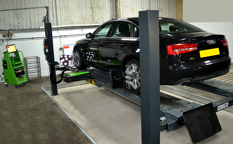 130 We have installed two brand new 3D tracking and wheel alignment ramps