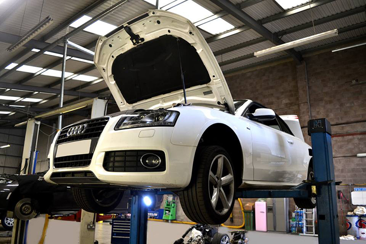 158 Here we look at some of the recent Audi vehicle service work we carry out from our garage