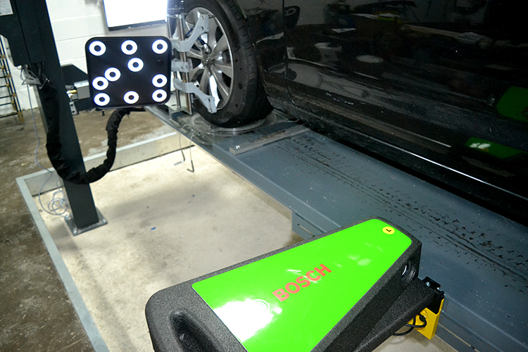 224 We have installed two brand new 3D tracking and wheel alignment ramps