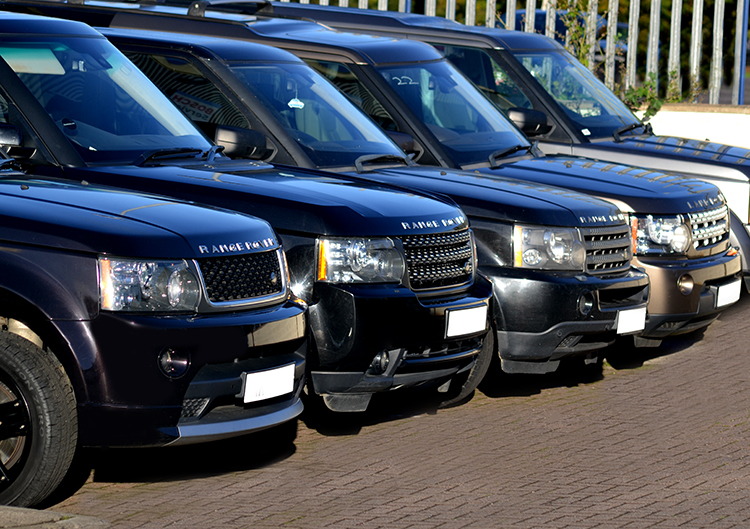 A land rover garage with years of exeprience in the land for Garage land rover brest
