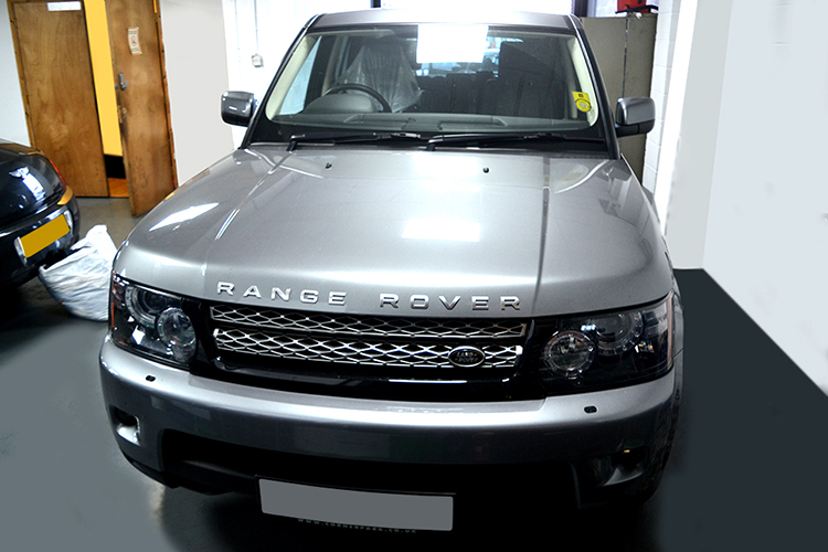 428 We are a Land Rover garage carrying out repairs and vehicle maintenance on Land Rover cars and Land Rover vehicles