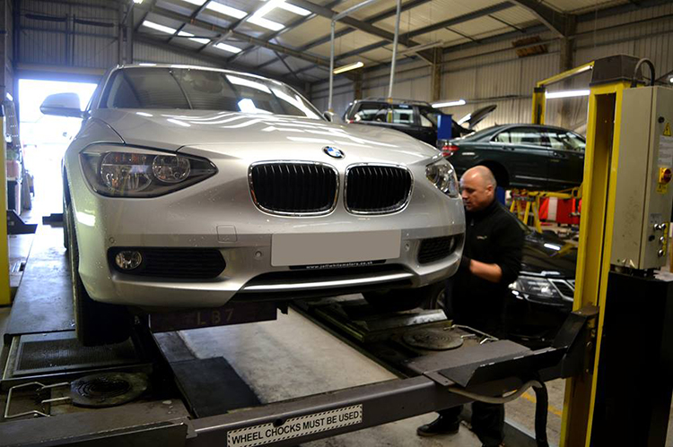 524 Here we look at some of the BMW car work we carry out from our garage in Cardiff