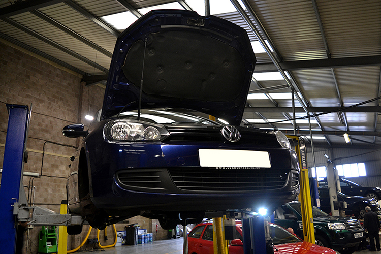 527 Here we look at some of the Volkswagen car service work we carry out from our garage