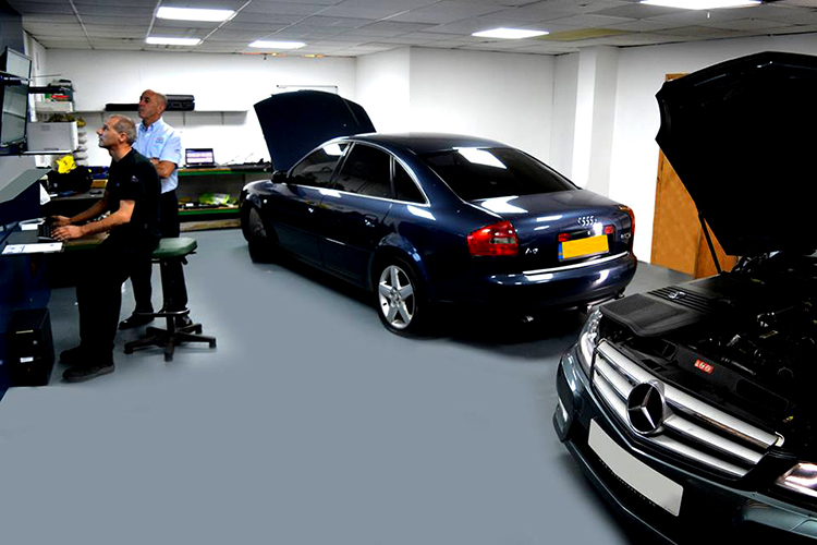 533 We offer an affordable vehicle trade service to car body shops