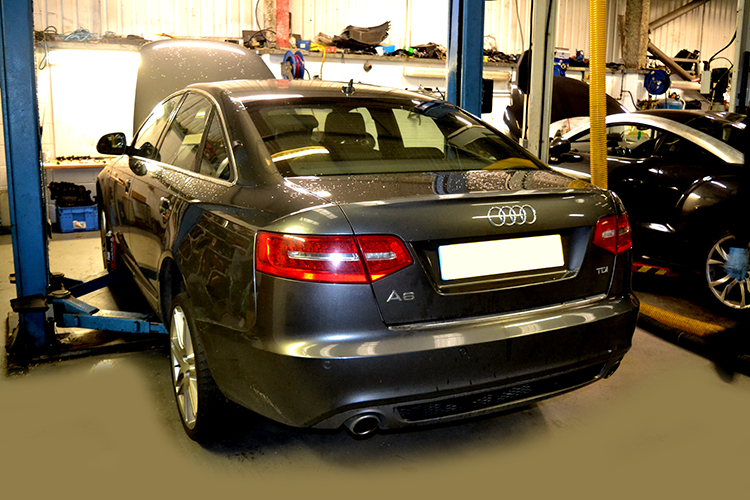 816 Here we look at some of the recent Audi vehicle service work we carry out from our garage