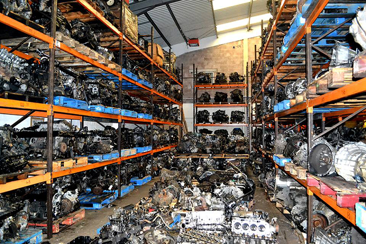 9 11 We can supply, fit, recondition and repair your Land Rover engine