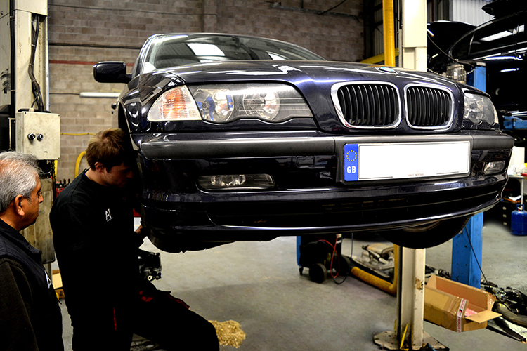 910 Here we look at some of the BMW car work we carry out from our garage in Cardiff