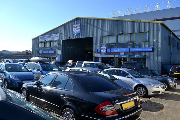 DSC 033011 We are an Audi garage carrying out repairs and vehicle maintenance on Audi cars and Audi vehicles