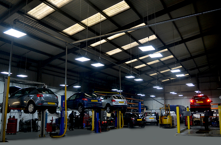 DSC 0463aadf We offer an affordable vehicle trade service to car body shops