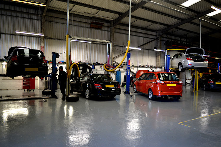 DSC 0580 We are ready and waiting for the next 3000 cars to service from our garage workshop