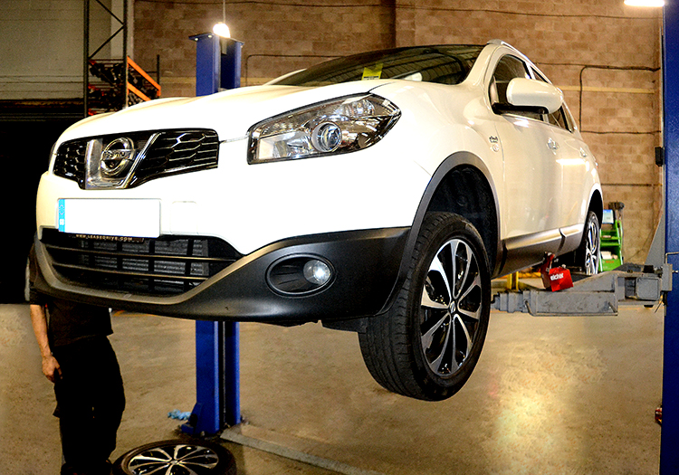 DSC 0818 We offer an affordable vehicle trade service to car body shops